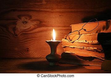 vecchio, stracciato, libro, su, uno, tavola legno,...