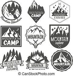 vector, set, van, bergkamp, etiketten, in, ouderwetse , style., kamp, buitene avontuur, concept, illustration.