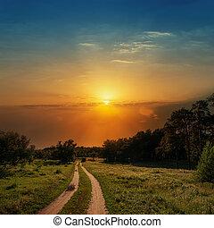 ved, över, dramatisk, solnedgång, väg