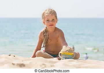 vederochkom, mer sable, enfant, dorlotez fille, plage, jouer