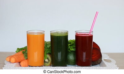 Vegetable smoothies detox - Carrot, beet and green salad....