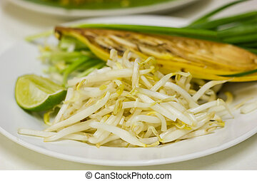 Vegetables to eat Pad Thai