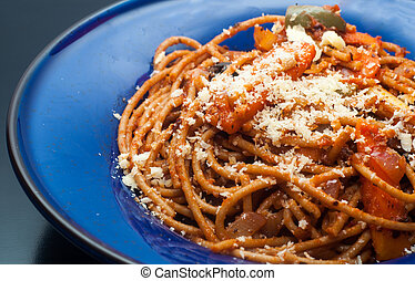 vegetarian wholemeal spaghetti with grated cheese garlic ...