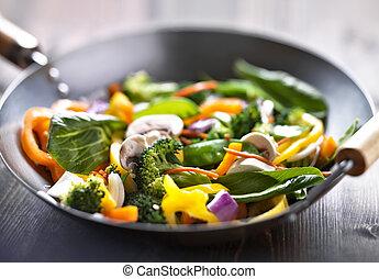 vegetariano, wok, revolver fríen