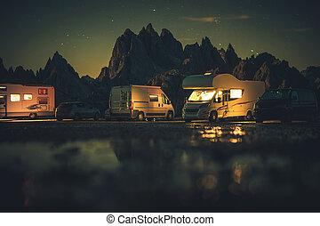 vehículo, recreativo, campamento, rvs, alpino, durante la ...
