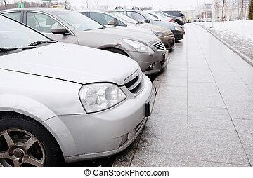 vehículos, estacionado, en, playa de estacionamiento