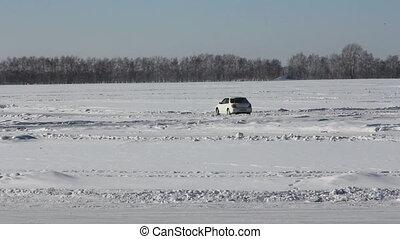 Vehicles traveling along the slippe