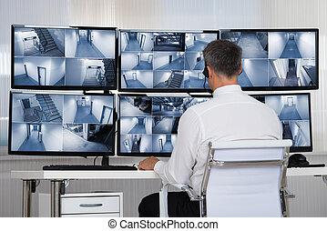 veiligheidssysteem, anwender, kijken naar, cctv film, op het...