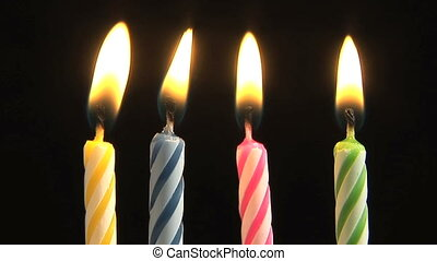 velas aniversário, soprando, saída, movimento lento