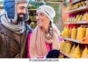 velas, par, presente, mercado, natal, comprando