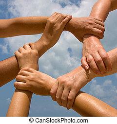 vele handen, het verbinden, om te, een, ketting, met, hemel