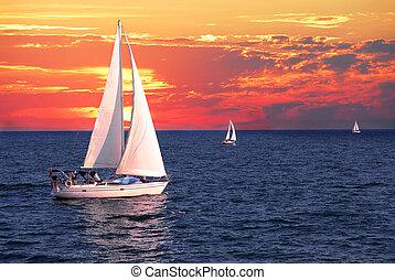 veleiros, em, pôr do sol