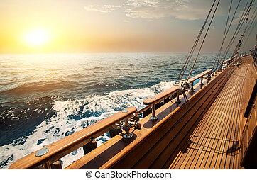 velero, mar rojo