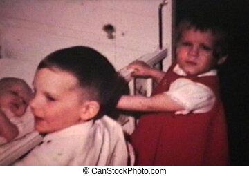vendange, 8mm), (1968, berceau, bébé, nouveau