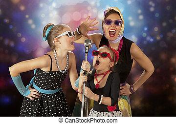 vendange, filles, poser, à, microphone