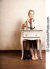 vendange, style., pieds nue, girl, séance, à, retro, bureau