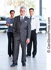 vendas provêem pessoal, em, um, dealership carro