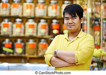 vendedor, chino, tienda, farmacia