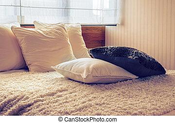vendemmia, cuscini, foto, bed., disegno, camera letto, interno, elegante, bianco, nero