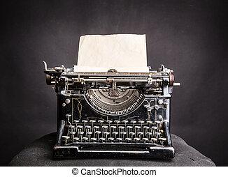 vendemmia, nero, typewrite, con, inserito, carta, foglio