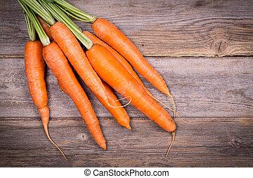 vendimia, encima, zanahorias, fondo., madera, fresco, ramo