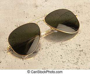 vendimia, gafas de sol