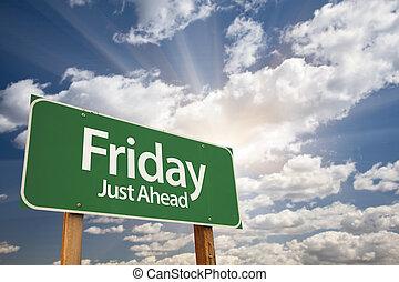 vendredi, juste, devant, vert, panneaux signalisations