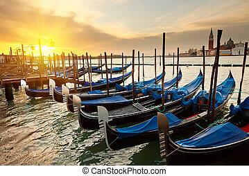 venecia, salida del sol