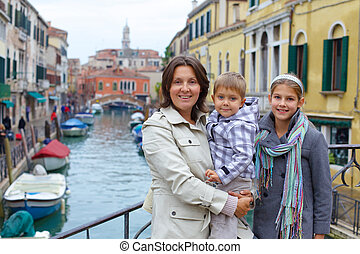 Venetian view and family