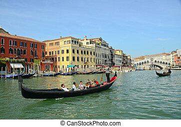 veneza, -, março, 28:, gôndola, em, ponte rialto, ligado,...