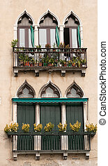 Venice vintage windows. - Decorative windows in Venice.