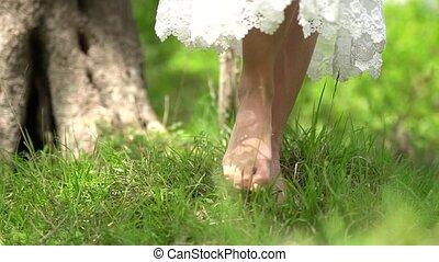 vent, mariée, promenades, battement des gouvernes, pieds nue, jupe, herbe