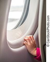 ventana, conmovedor, avión, niño, mano
