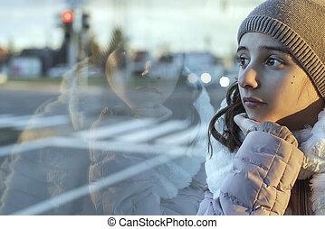 ventana, thinking., autobús, sentado, miradas, mirar, adolescente, delantero, niña, se sienta, afuera