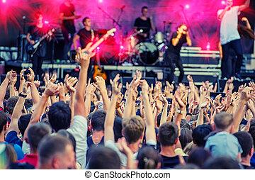 ventilatori, durante, uno, gruppo rock, concerto