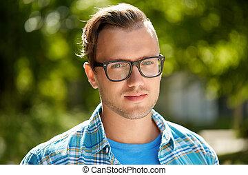 verão, ao ar livre, jovem, retrato, óculos, homem