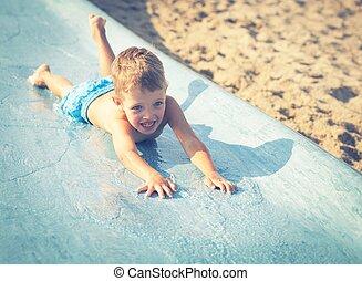 verão, aquapark, corrediça água, criança, feriado