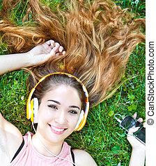 verão, fones, streaming, escutar música, menina