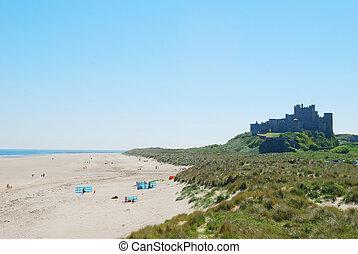 verão, nebuloso, dia, bamburgh, praia, castelo