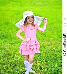 verão, pequeno, chapéu palha, retrato, menina, capim, vestido, dia