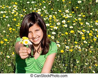 verão, sorrindo, segurar floresce, criança, feliz