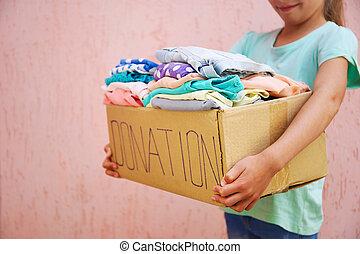 verano, niña, caja, donación, tenencia, clothes.