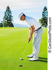 verde, golfista, poniendo