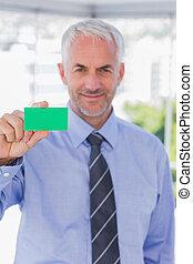 verde, scheda, affari, esposizione, sorridente, uomo affari