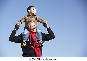 verdragend, schouders, zijn, kleinzoon, grootvader