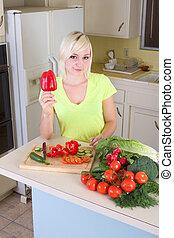 verdura, donna, giovane, biondo, cucina
