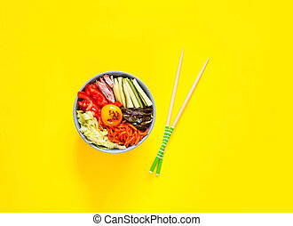 verdura, giallo, manzo, tradizionale, fondo., cuisine., piatto, pietanza, coreano, uovo, bibimbap