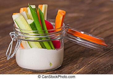 verdure fresche, salsa, formaggio