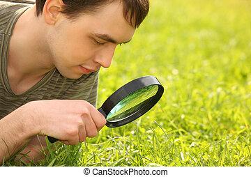vergrootglas, man, door, blik, jonge