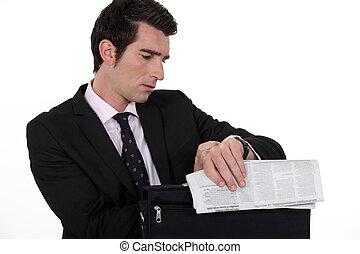 verificar, hombre de negocios, watch., el suyo